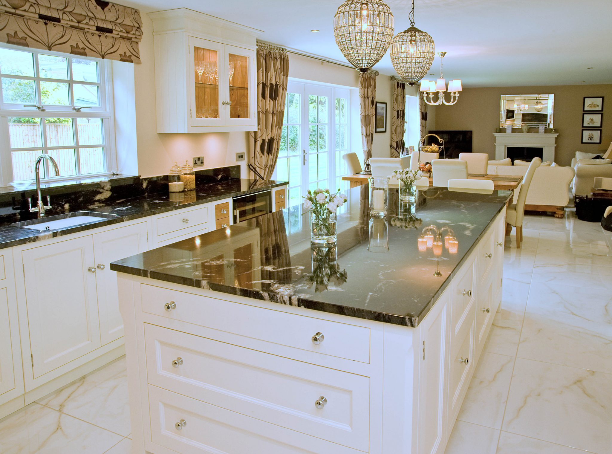 Bespoke Kitchen Designs Classic Lines & Materials